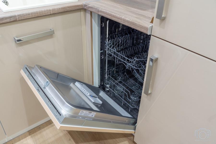 Белый кухонный гарнитур-Кухня из пластика «Модель 1»-фото8