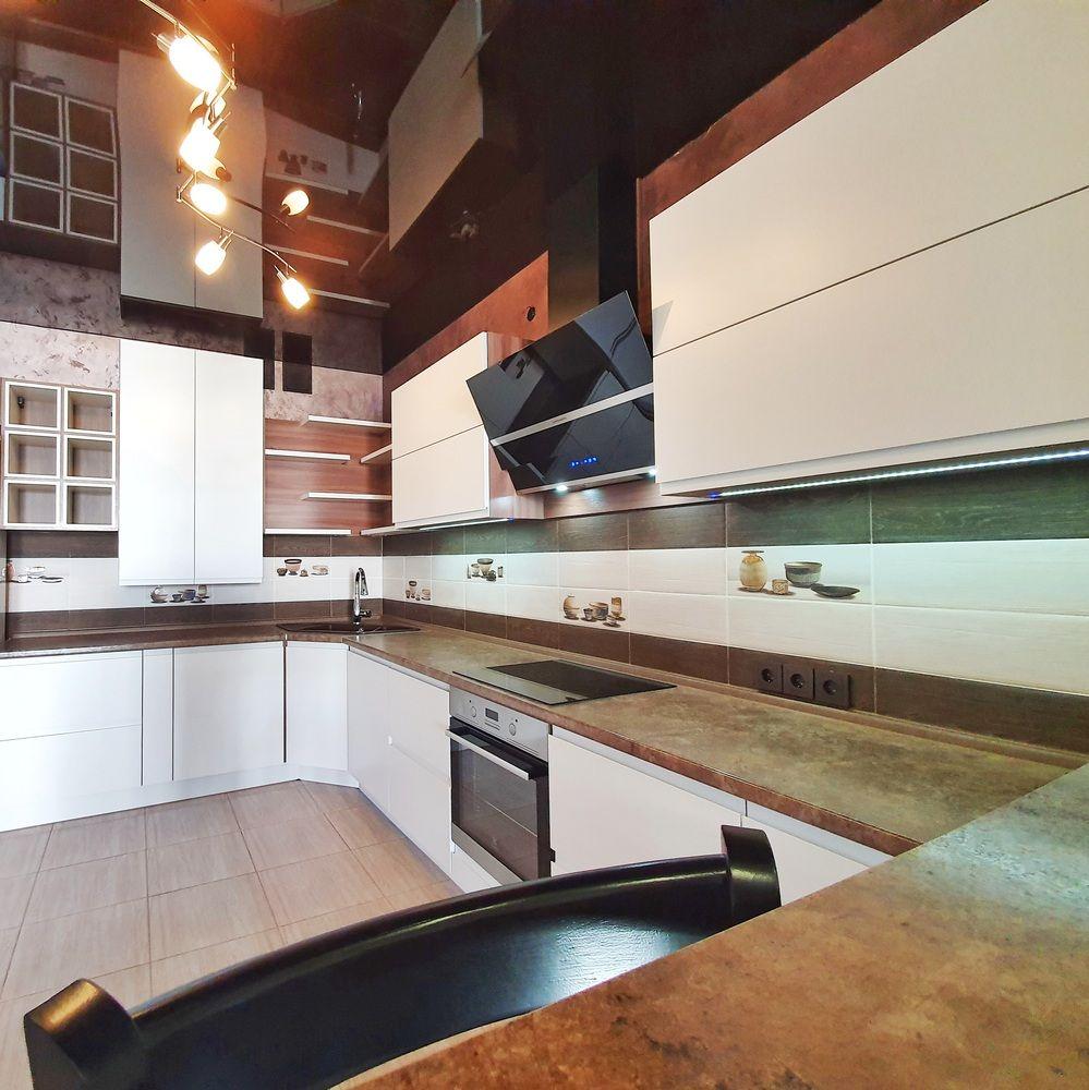 Белый кухонный гарнитур-Кухня МДФ в эмали «Модель 537»-фото3