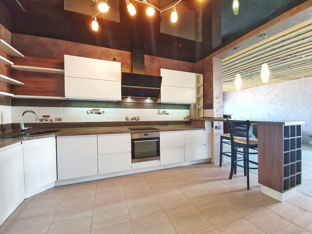Белый кухонный гарнитур-Кухня МДФ в эмали «Модель 537»-фото2